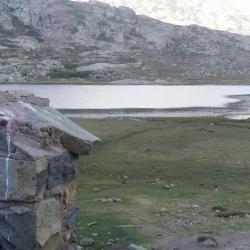 Source au lac de Ninu