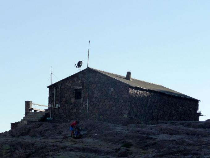 GR20 : le refuge de Ciottulu di i Mori